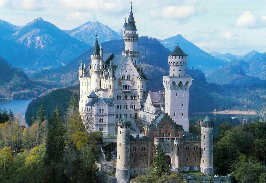 F 252 Ssens S Famous Castles Jane And Michael S Holiday